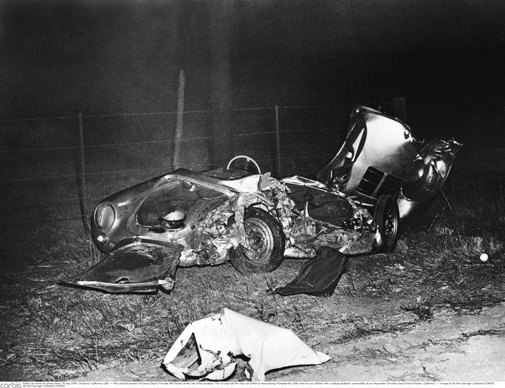 Das Wrack des Unfallwagens