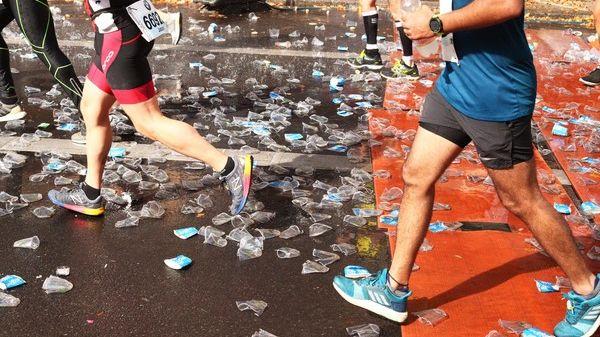 Plastikmüll (beim Berlin-Marathon 2018)