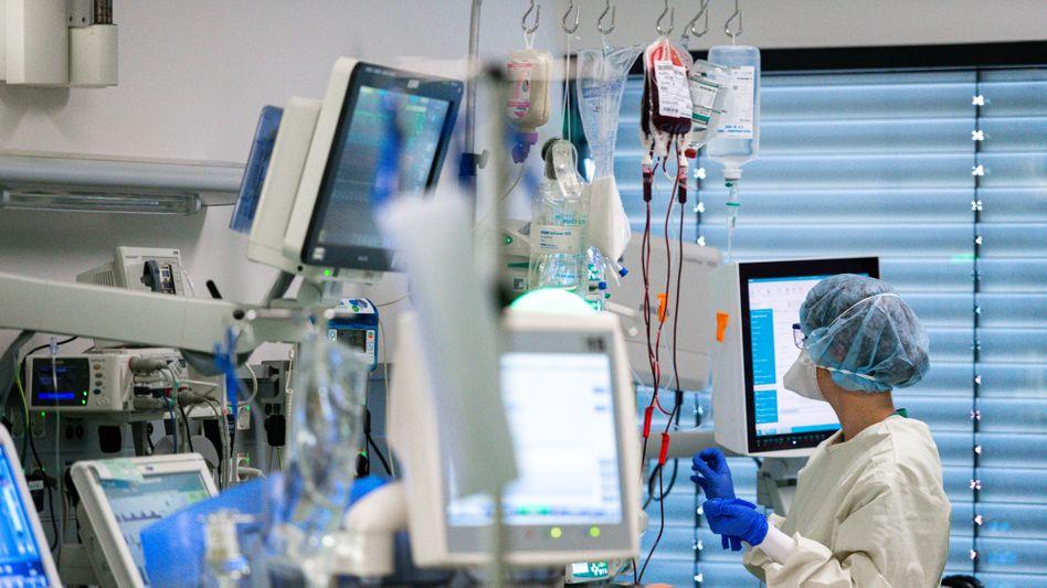 Intensivstation für Corona-Patienten (in der Uniklinik Aachen): »Ganz Holland hat nur unwesentlich mehr Intensivbetten als der Großraum Berlin«