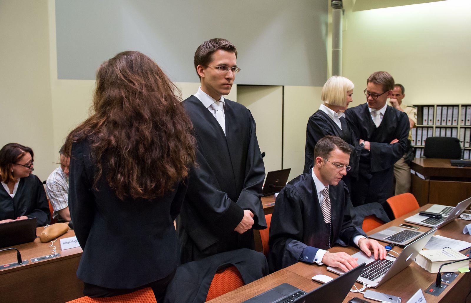 Zschäpe / Anwälte