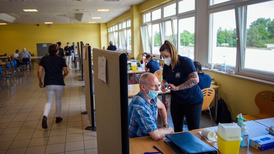 Impfzentrum (in Wismar, Mecklenburg-Vorpommern): »Jetzt müssen die Vorbereitungen für den Herbst getroffen werden«