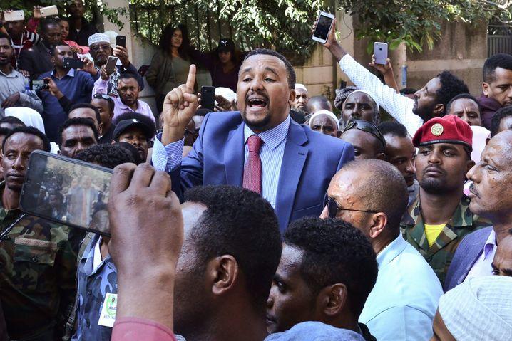 Jawar Mohammed, Abiy-Kritiker und Stichwortgeber der radikalen Oromo-Jugend
