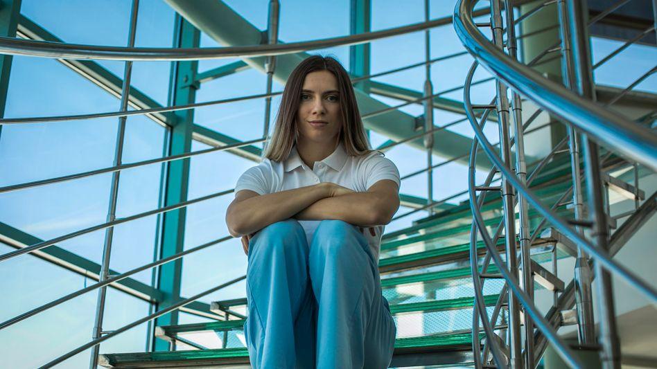 Kristina Timanowskaja beim Treffen in Warschau: »Komm nicht zurück! Sie stecken dich ins Gefängnis oder in die Psychiatrie.«