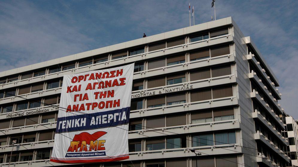 Protest gegen Sparkurs: Demonstranten besetzen Finanzministerium