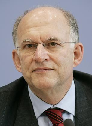 "Datenschutzbeauftragter Schaar: ""Maßlose Datenspeicherung ist Sicherheitsrisiko"""