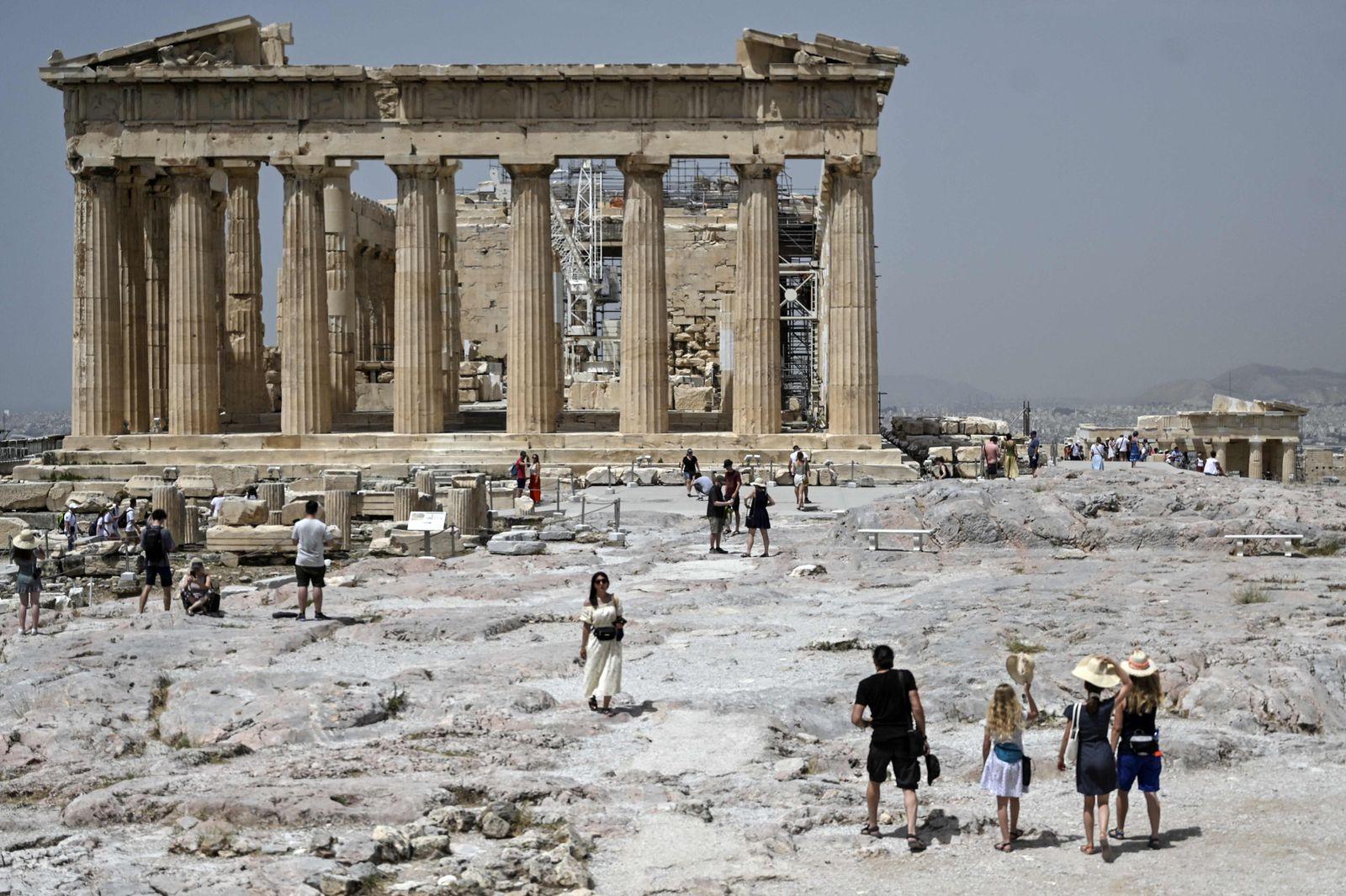 GREECE-WEATHER-HEAT
