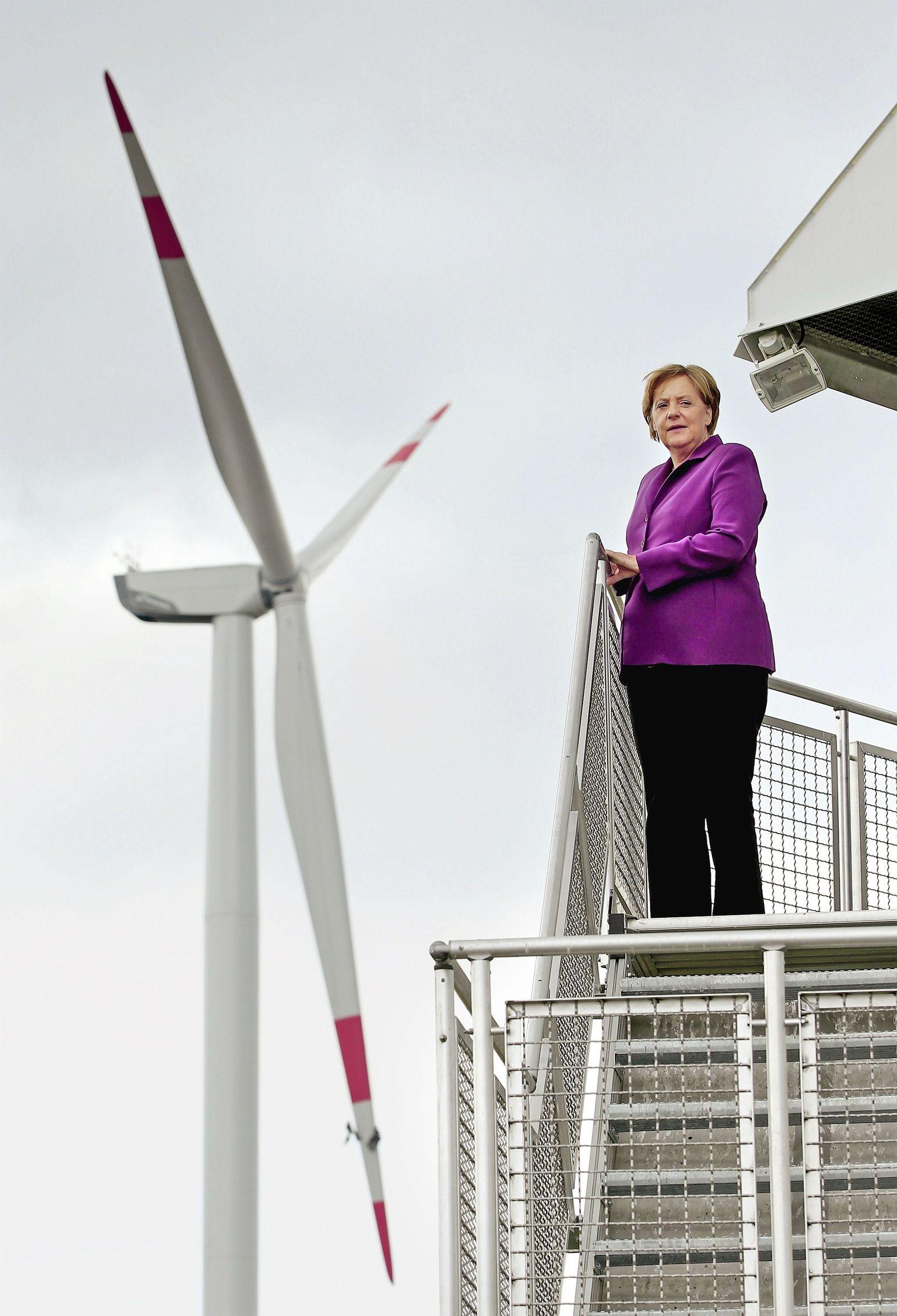 SPIN 11/2013 pp 18 / Energiewende / Merkel / Windkraft