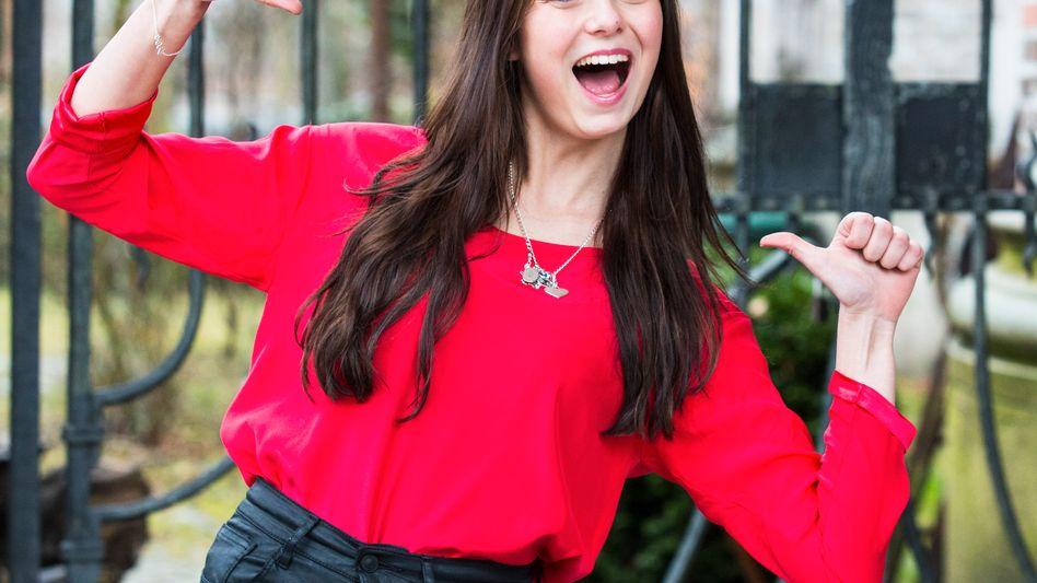 Daumen hoch: Die Schülerin Anna-Luisa hält sich bei Facebook eher zurück