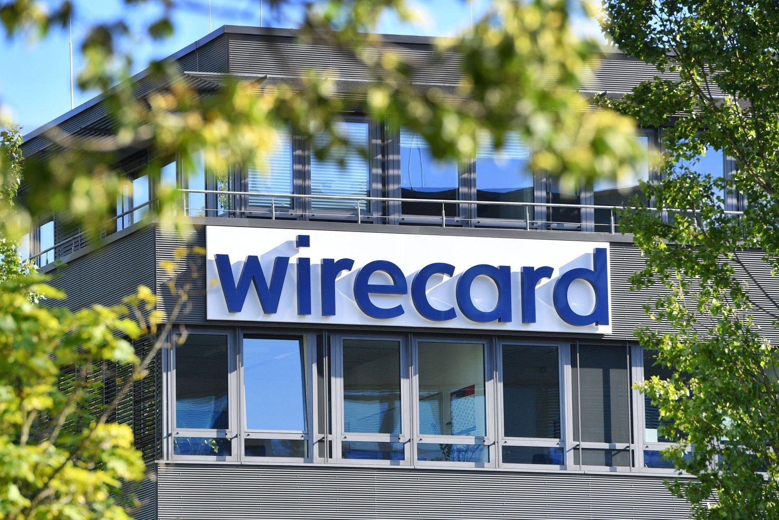 Sitz der wirecard AG in Aschheim Dornach wirecard Logo, Firmenemblem,Schriftzug ,Gebaeude, Fassade,Sitz in Aschheim Dorn