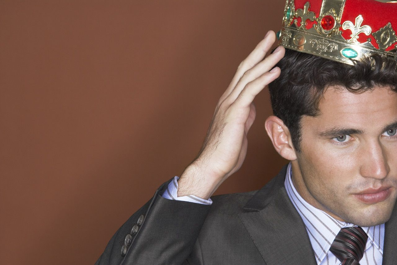NICHT MEHR VERWENDEN! - Geschäftsmann mit Krone