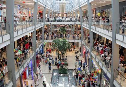 Einkaufszentrum (in Karlsruhe): Konsumklima und Wirtschaftsdaten passen zusammen
