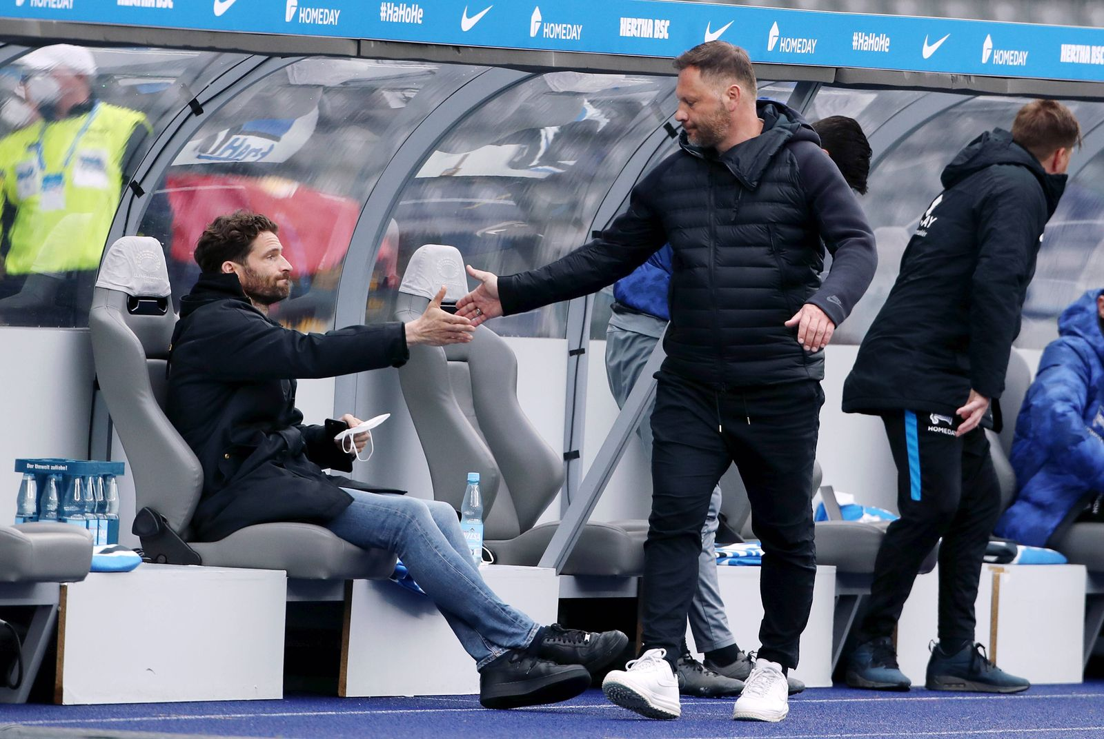 Sportdirektor Arne Friedrich, Trainer Pal Dardai nach Spielende / / Fußball Fussball / DFL Bundesliga Herren / Saison 20