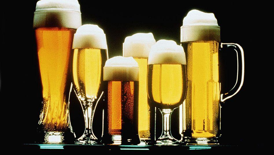 Verschiedene Biersorten: Die Nettolöhne steigen - und die Bierpreise steigen mit