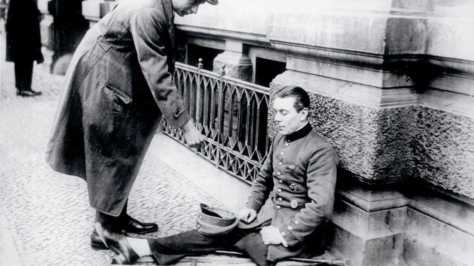 Bettelnder Kriegsinvalide, Berlin 1923