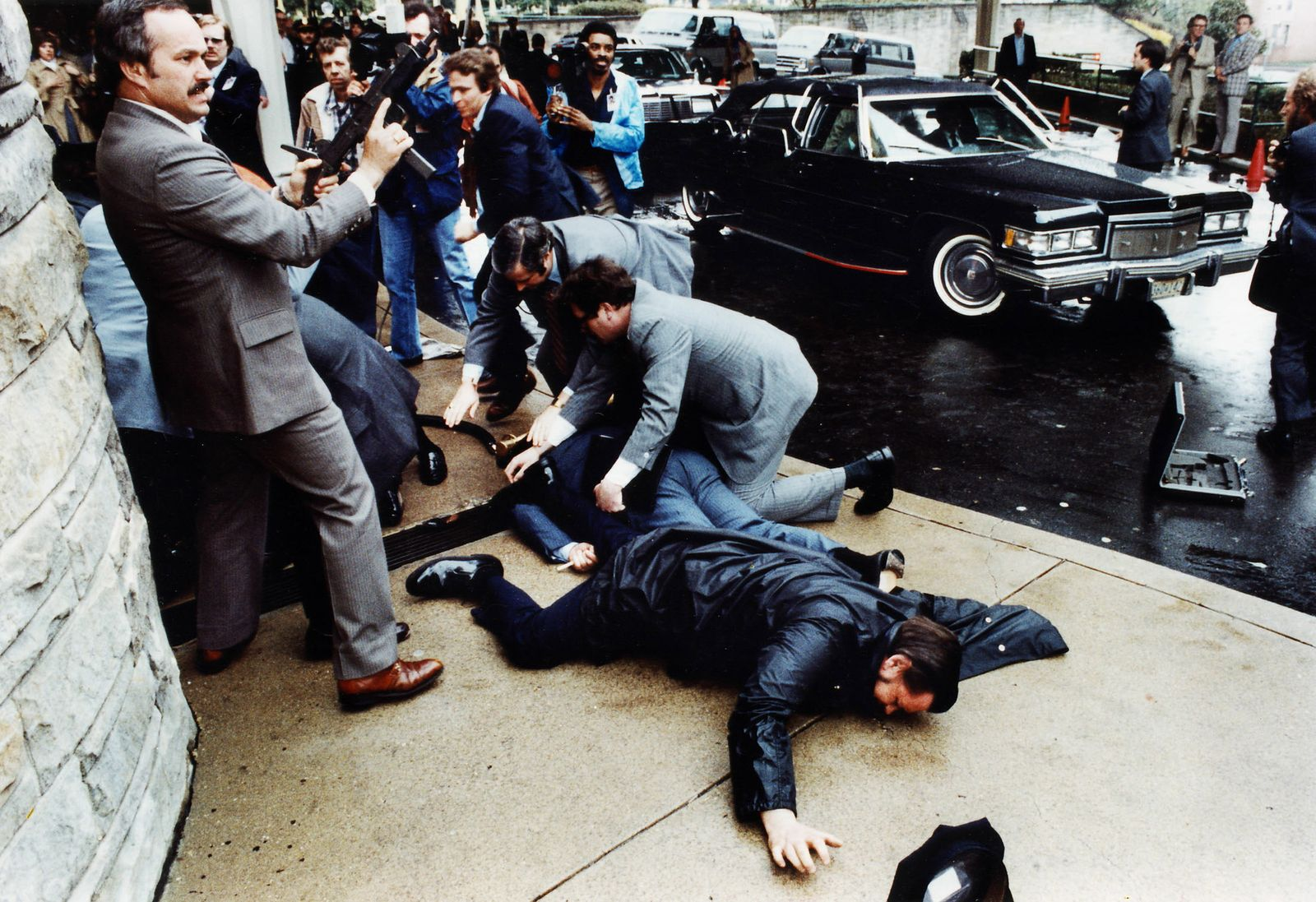 FILE PHOTO SHOWING AFTERMATH OF ASSASSINATION ATTEMPT AGAINST FORMER PRESIDENT RONALD REAGAN