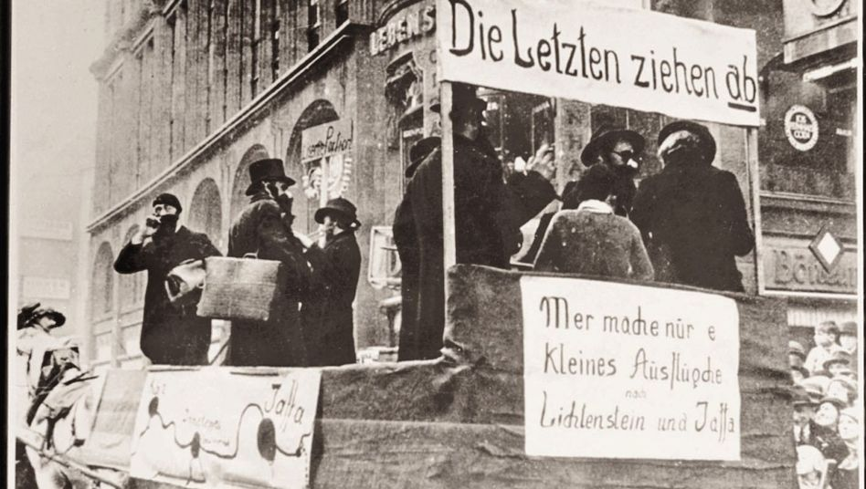 An anti-Semitic float from 1934 in Cologne: The Nazis had a bigger influence on Germany's Carnival than is widely believed.