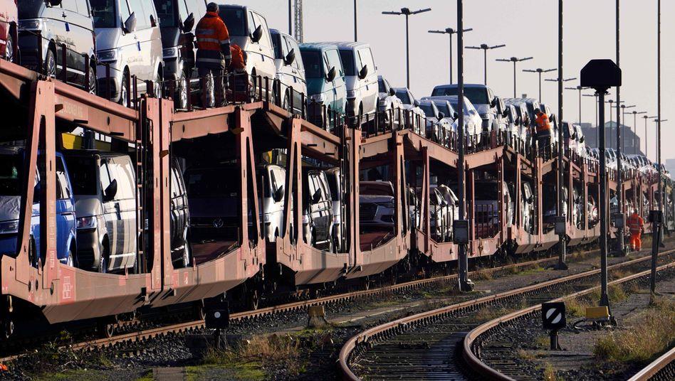 Autoverladung in Cuxhaven: Jede Prognose unter dem Vorbehalt von Corona