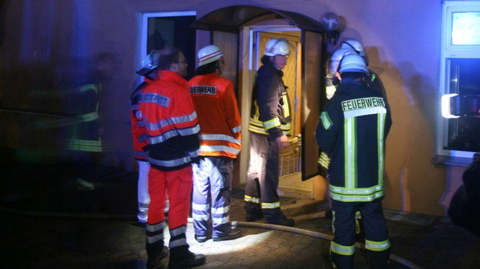 Feuerwehrleute in Salzhemmendorf: Brandsatz durch das Fenster