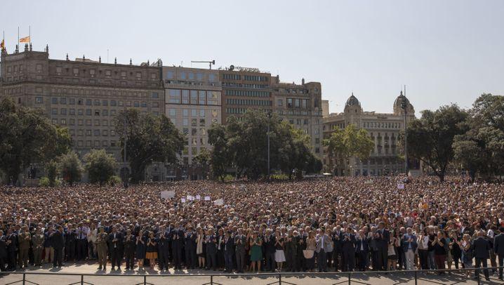 Nach dem Anschlag: Barcelona trauert, Barcelona trotzt