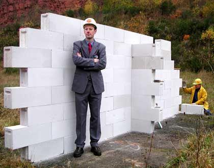 """""""Titanic""""-Chef Sonneborn vor seiner Mauer: """"Wir brauchen Experten"""""""