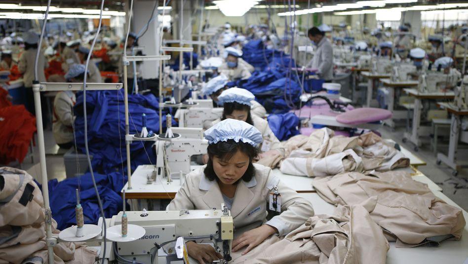 Nordkoreanische Arbeiterinnen in Kaesong: 50.000 Menschen verlieren vorerst ihre Jobs