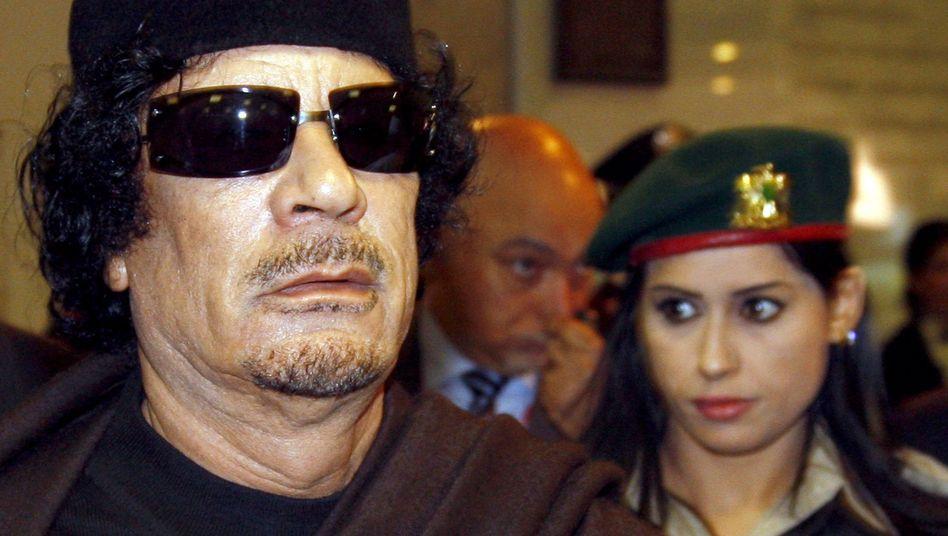Libyens Staatschef Gaddafi in Rom: Verabredung mit 100 Frauen