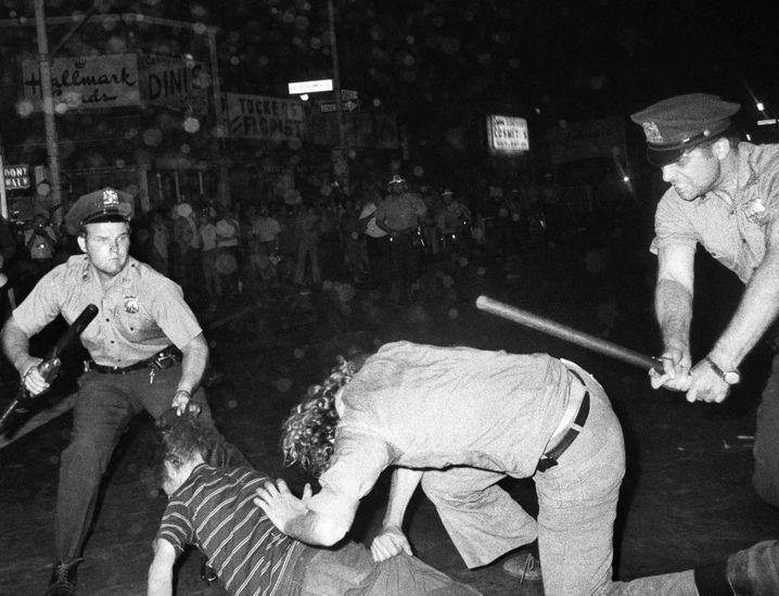 Geburt der LGBTQ-Bewegung: Zusammenstöße in 1970, ein Jahr nach den Stonewall-Unruhen