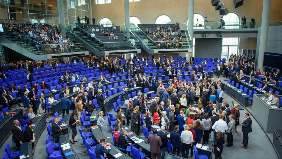 Bundestagsabgeordnete bei einer namentlichen Abstimmung (im Juni 2018): Union und Linke stimmen besonders geschlossen ab