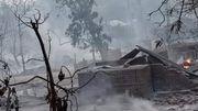 Militär in Myanmar zündet Dorf an