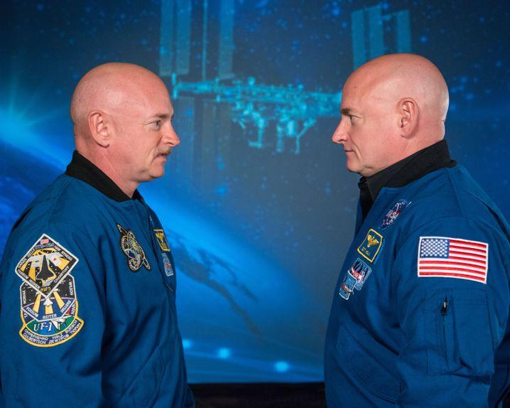 Zwillingsforschung: Mark Kelly (links) blieb auf der Erde, sein Bruder Scott (rechts) war ein Jahr im All