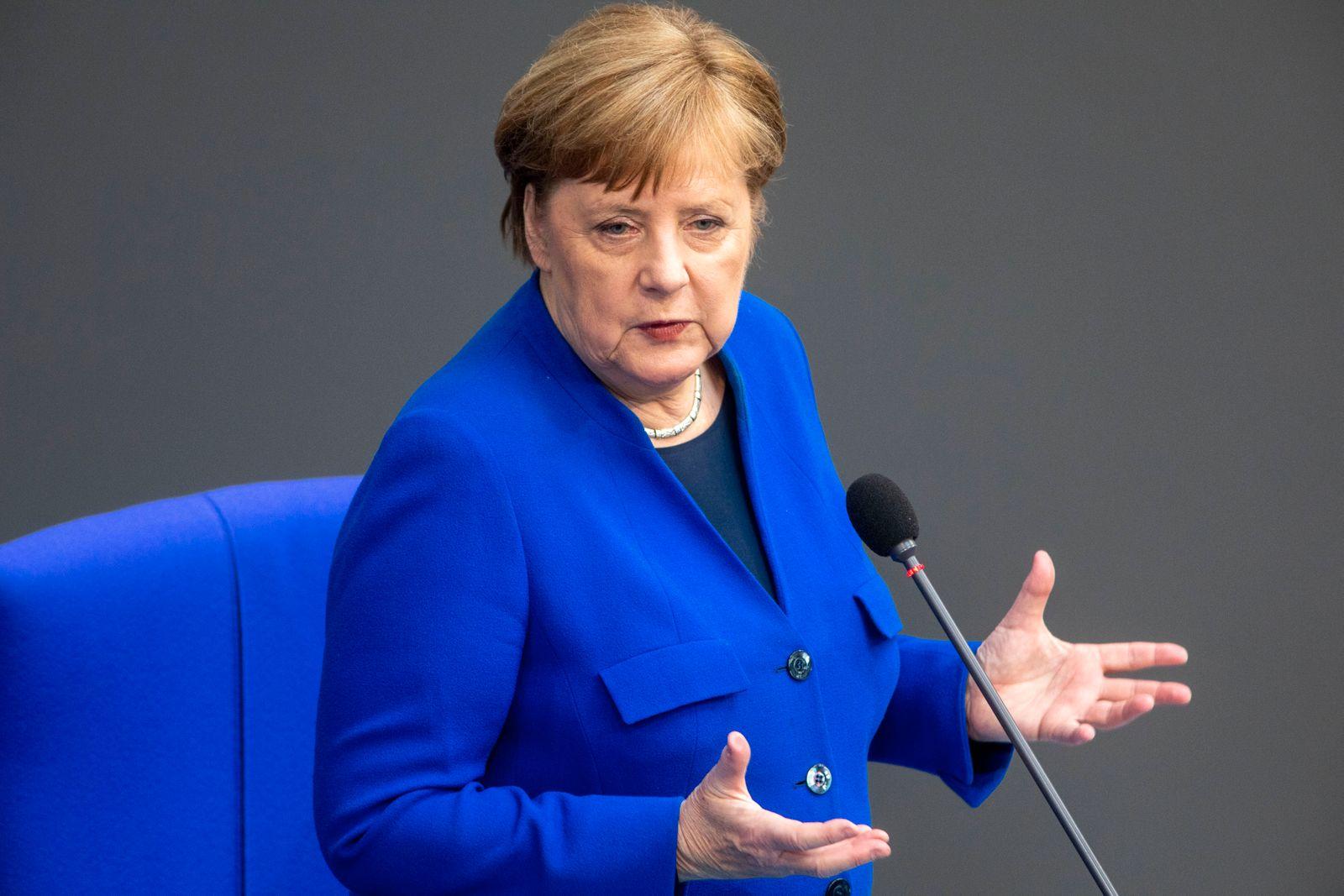 Deutschland, Berlin, Bundestag, 159. Sitzung, Befragung der Bundesregierung, Bundeskanzlerin Angela Merkel CDU, 13.05.2