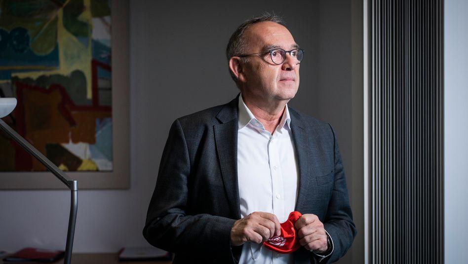"""SPD-Chef Norbert Walter-Borjans: """"Die deutsche Bevölkerung verhält sich in ihrer großen Mehrheit vorbildlich"""""""