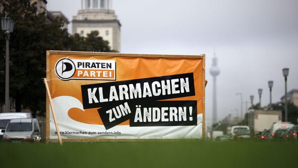 Großplakat der Berliner Piratenpartei: Umfragen sagen Einzug ins Abgeordnetenhaus voraus