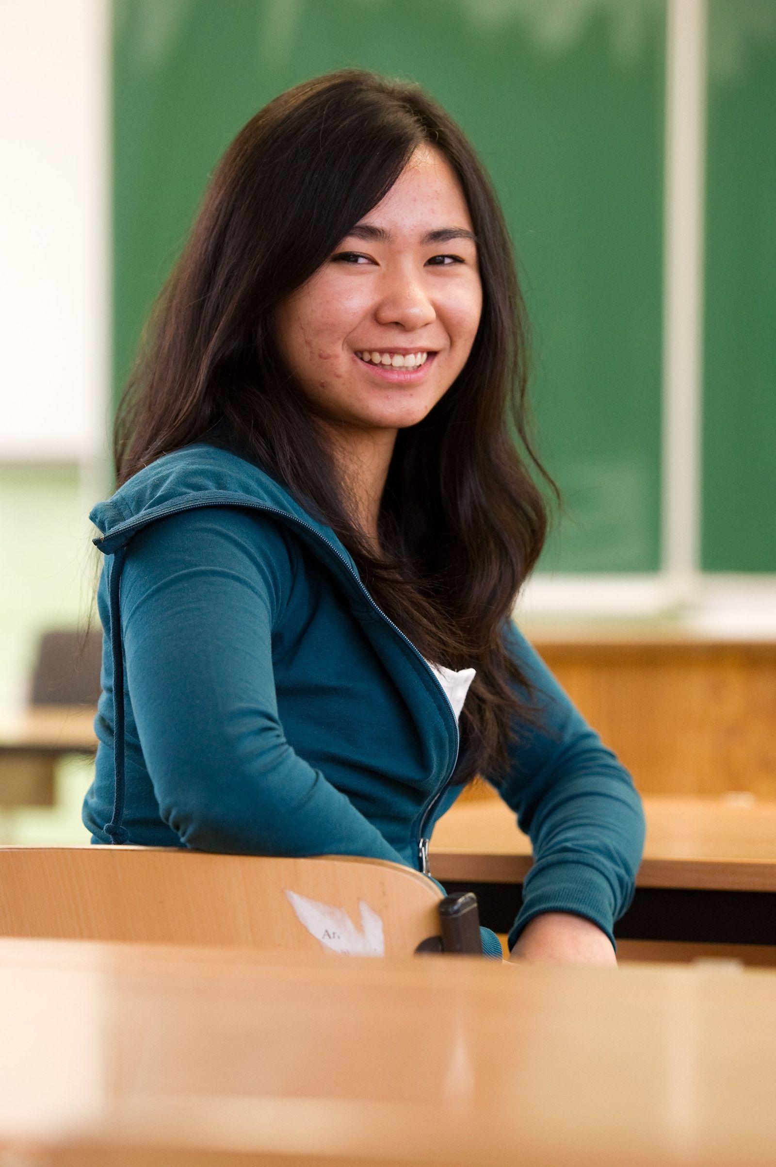 DPA-TMN Vietnamesische Schülerin Vu Bildung Pisa