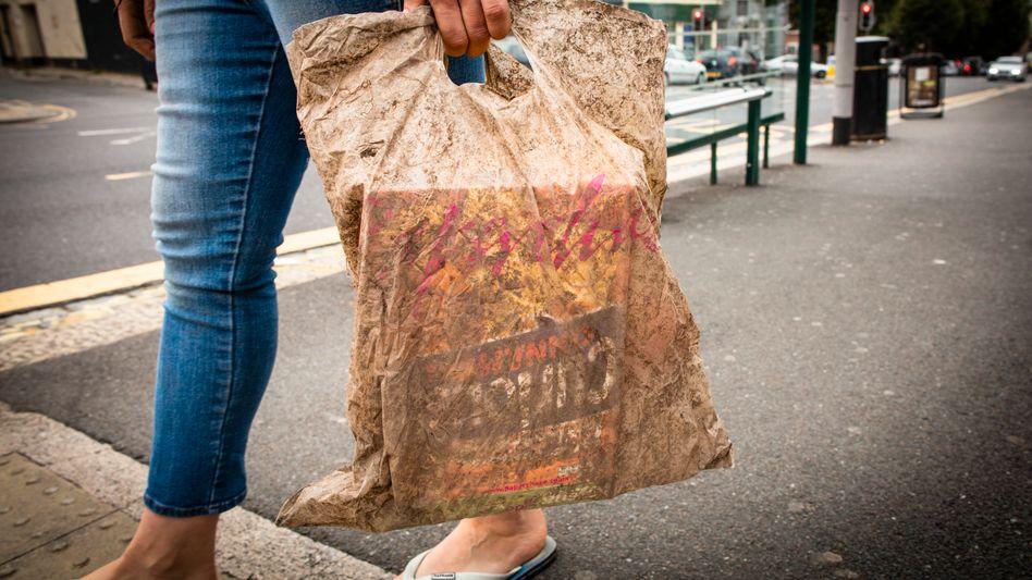 Diese Plastiktüte hatte drei Jahre Zeit zum Verrotten (Archivbild)