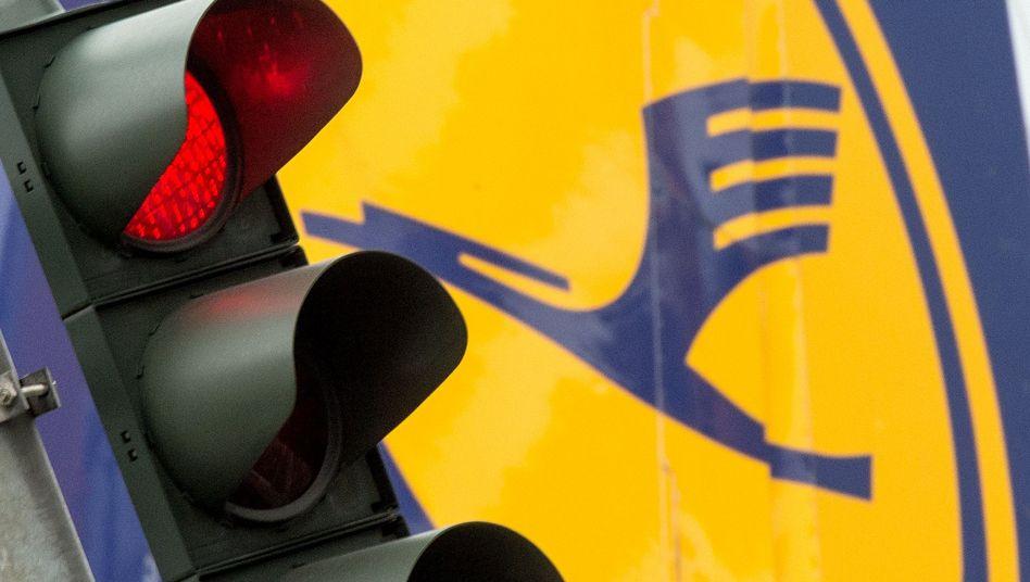 Ampel am Flughafen Frankfurt am Main: Streiks sollen noch intensiviert werden