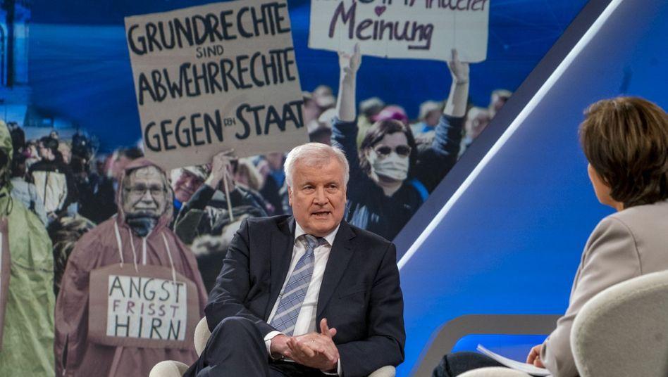 Seehofer im Gespräch mit Maischberger: Jovialer Menschen- und Merkelfreund