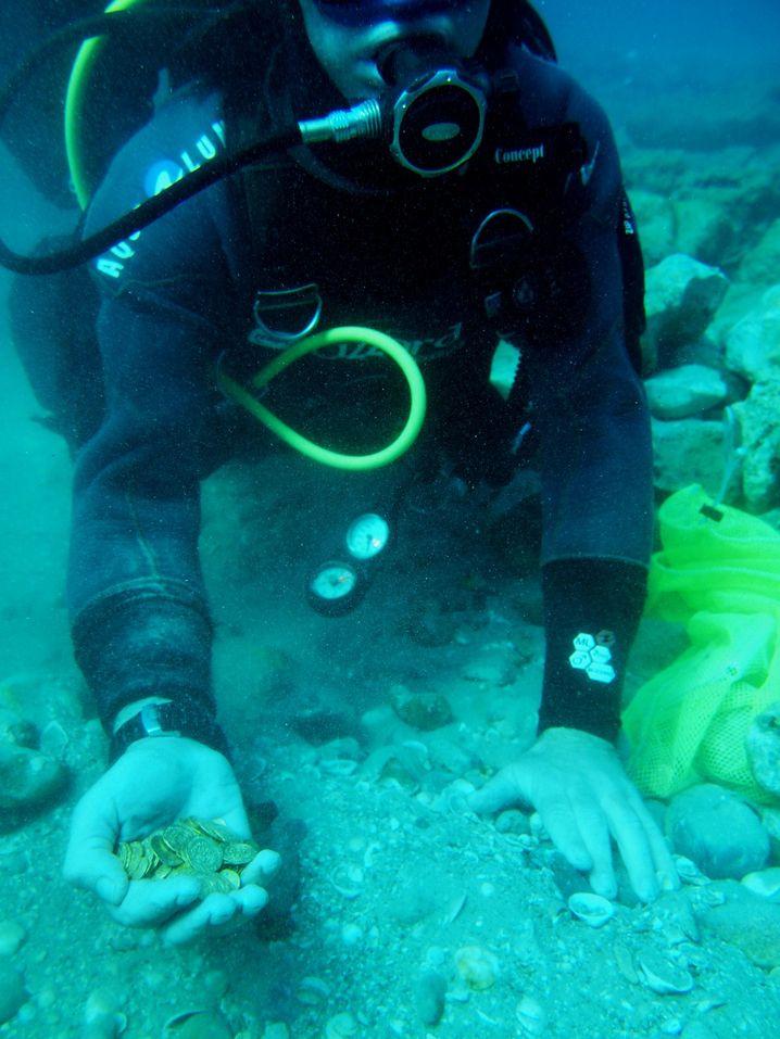 """Taucher vor dem israelischen Küstenort Caesarea: """"Ein Herz aus Gold"""""""