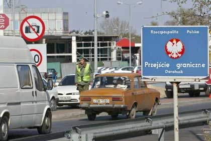 Grenzübergang zwischen Polen und der Ukraine (bei Dorohusk): Drohende Spaltung des östlichen Nachbarn
