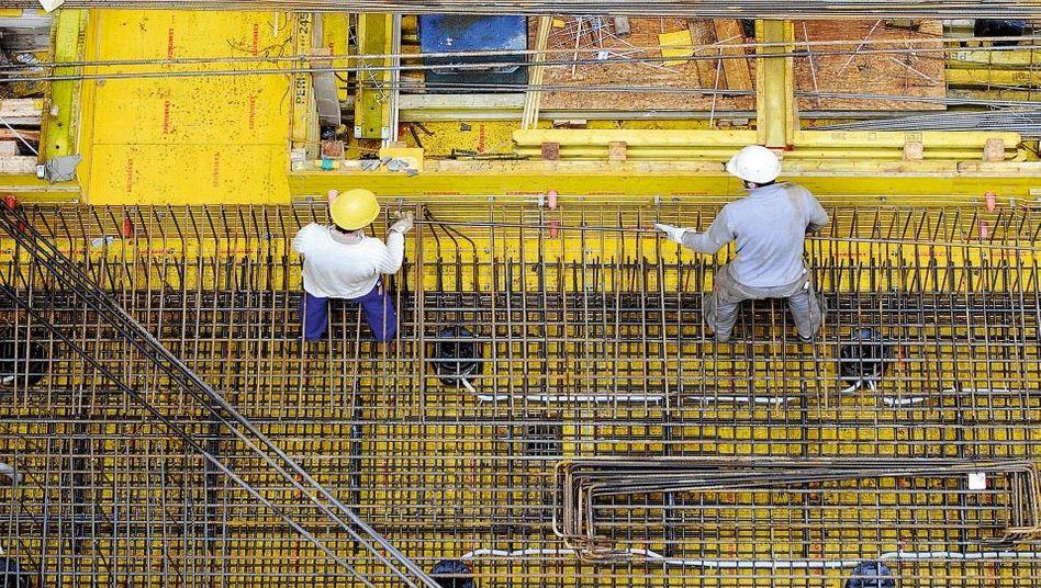Arbeiter auf einer Baustelle in Köln