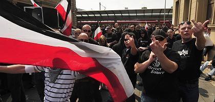 Neonazi-Aufmarsch in Mainz (am 1. Mai): Mehr rechtsradikale Straftaten