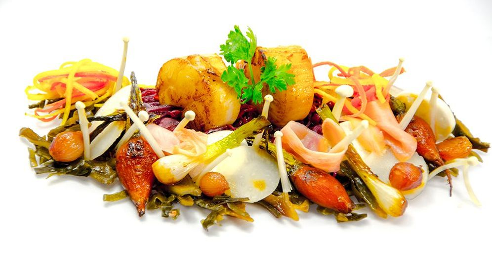 Zubereitung: Jakobsmuscheln mit Spitzkohlsalat