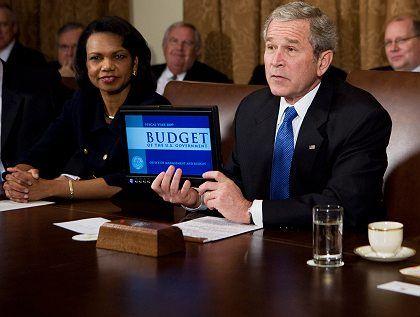 Bush bei der Haushalts-Präsentation: Geld für 3000 Kopien sparen