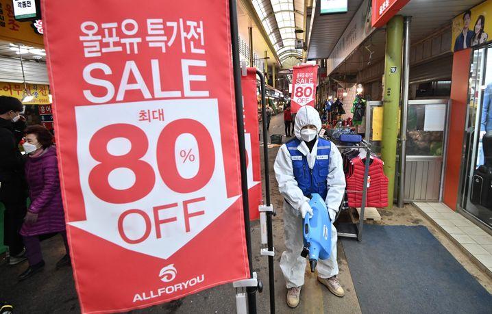 Desinfektionsmaßnahmen in Seoul, Südkorea: Die Zahlen im Land steigen weiter