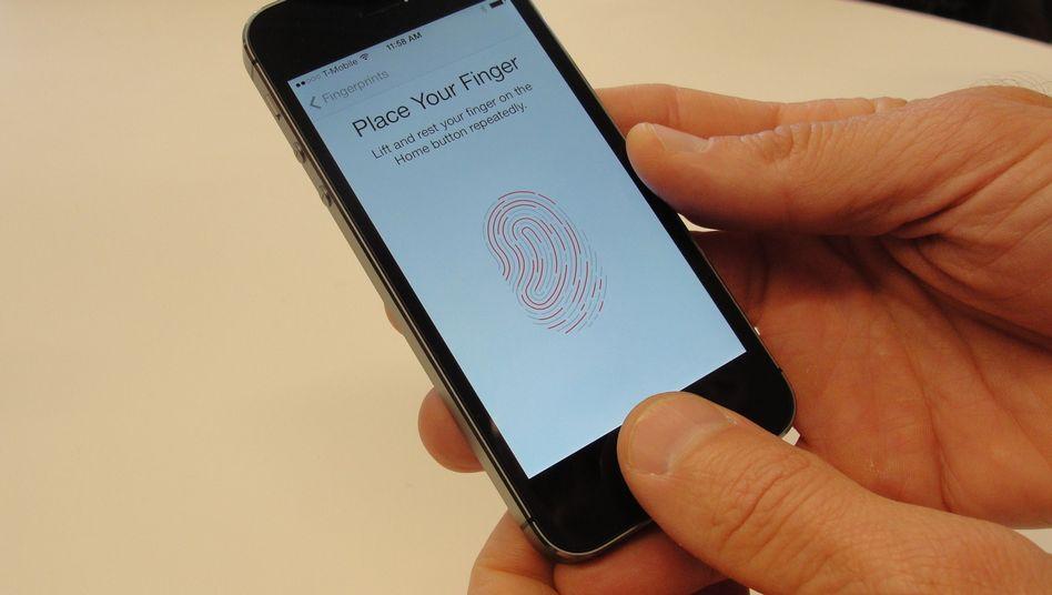 """Fingerscanner beim iPhone 5S: """"Nicht aus Bequemlichkeit biometrische Daten hinterlassen"""""""