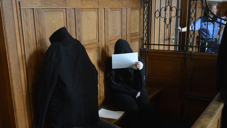 """Angeklagte vor Berliner Landgericht: """"Schwierige, aber nicht ausweglose Situation"""""""