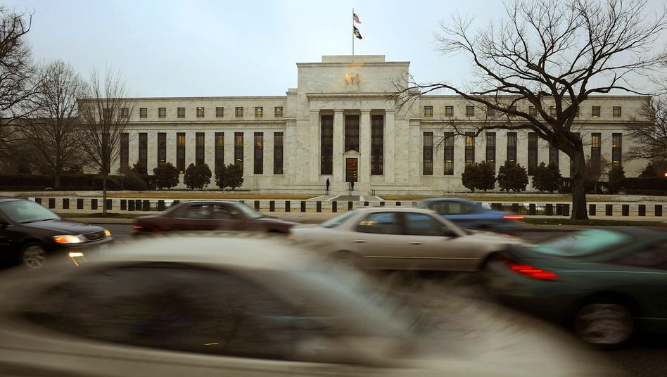 """The Federal Reserve Bank in Washington, DC: """"No doubt, our pensions are screwed!"""""""