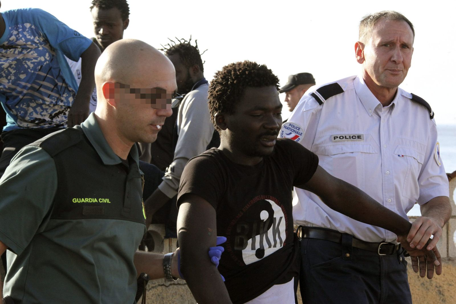 Afrikanische Flüchtlinge stürmen Melilla