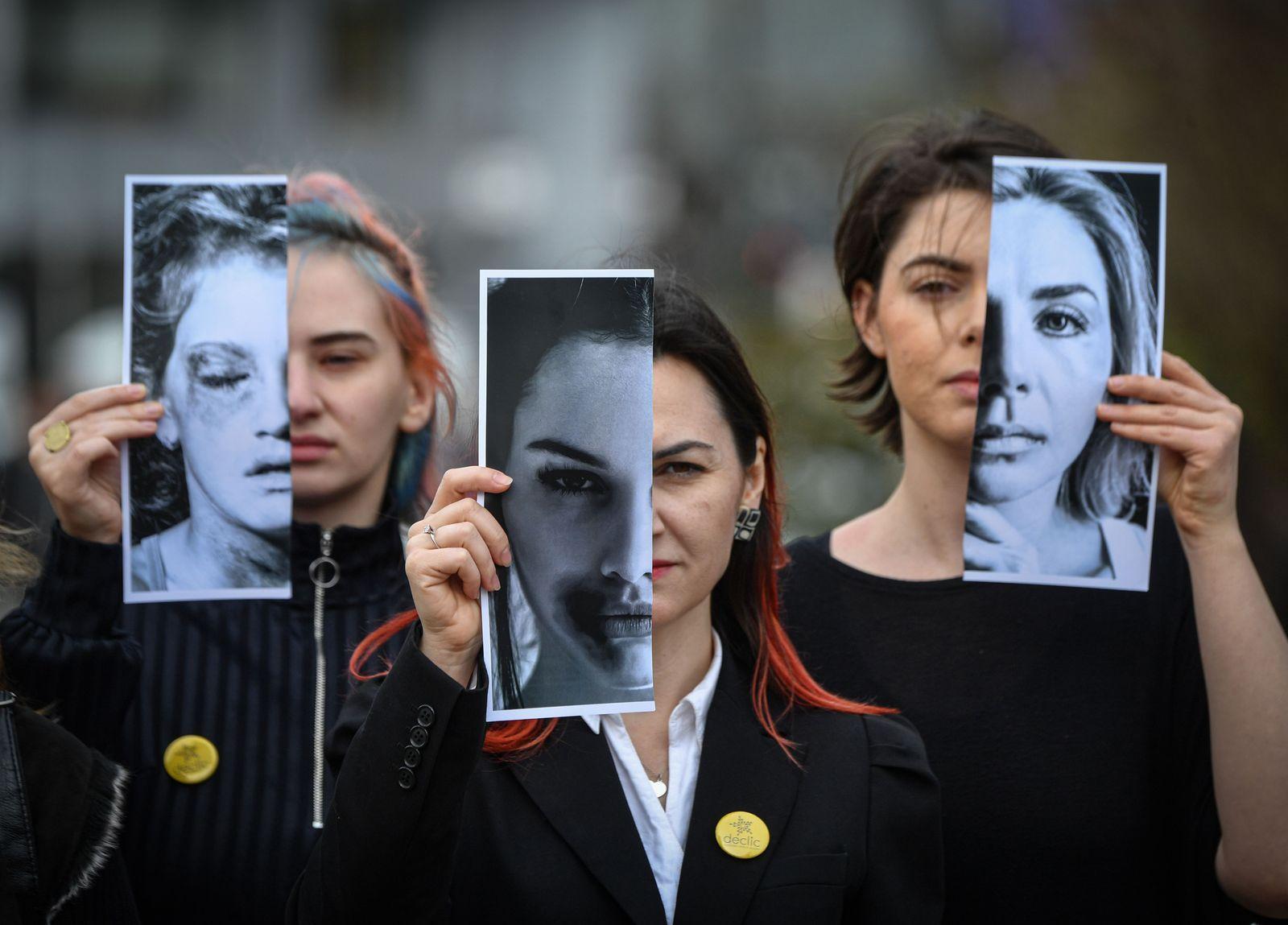 TOPSHOT-ROMANIA-WOMEN-VIOLENCE-PROTEST