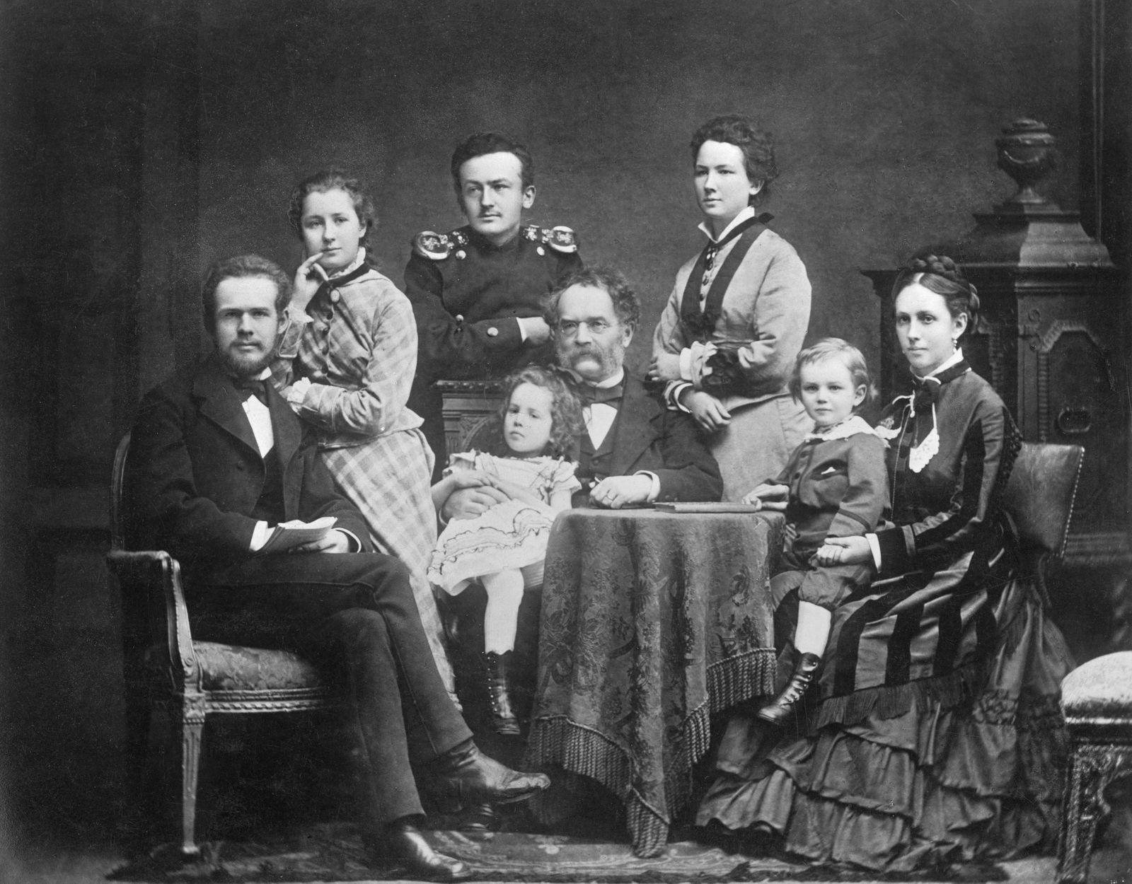 Windkraft Pioniere - Werner von Siemens mit seiner 2. Frau Antonie und Kindern